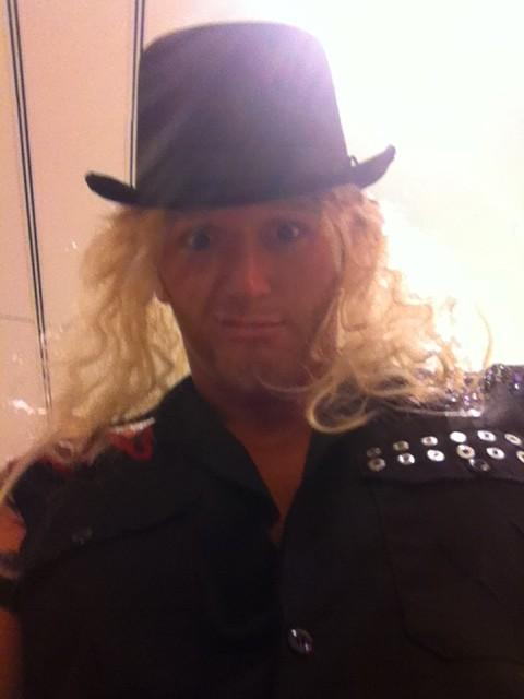 Heath Slater as a blonde