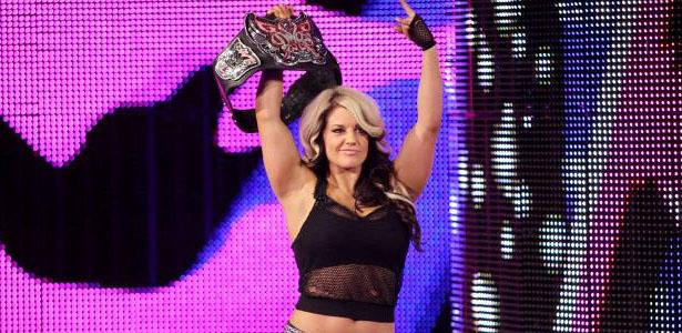 kaitlyn-divas-title
